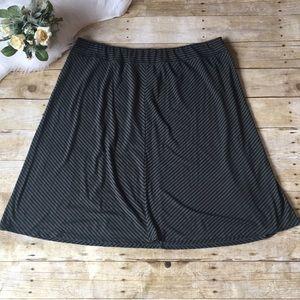 Ava & Viv Olive Black Stripe Skirt Size 2X